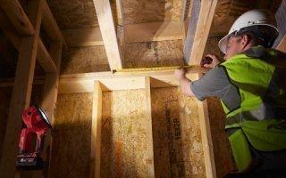 Milwaukee® propose 15 luminaires LED pour éclairer les chantiers Batiweb