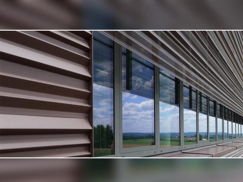 Profil nervuré de VMZINC® : des pliages sur-mesure pour dynamiser les façades - Batiweb
