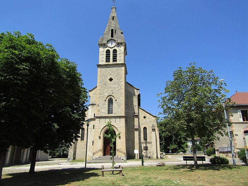 Stabilisation d'une église en Isère ayant perdu ses pieux ! - Batiweb