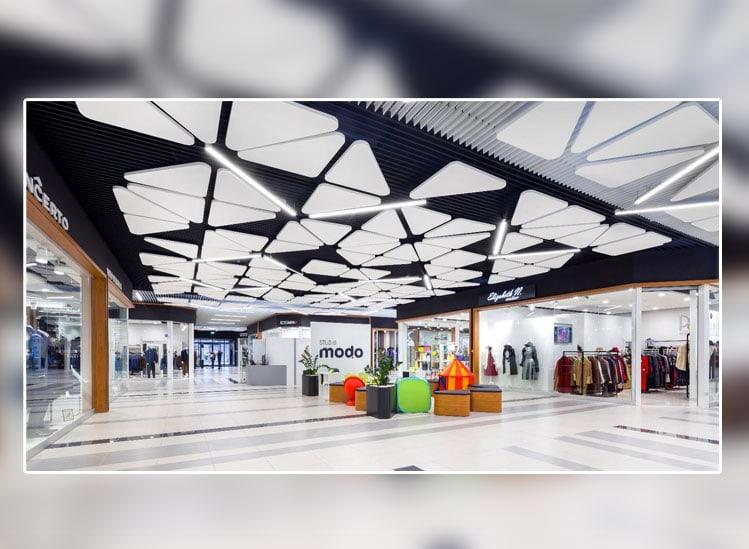 Sélection de plafonds acoustique et esthétiques ARMSTRONG CEILING SOLUTIONS dédies aux commerces