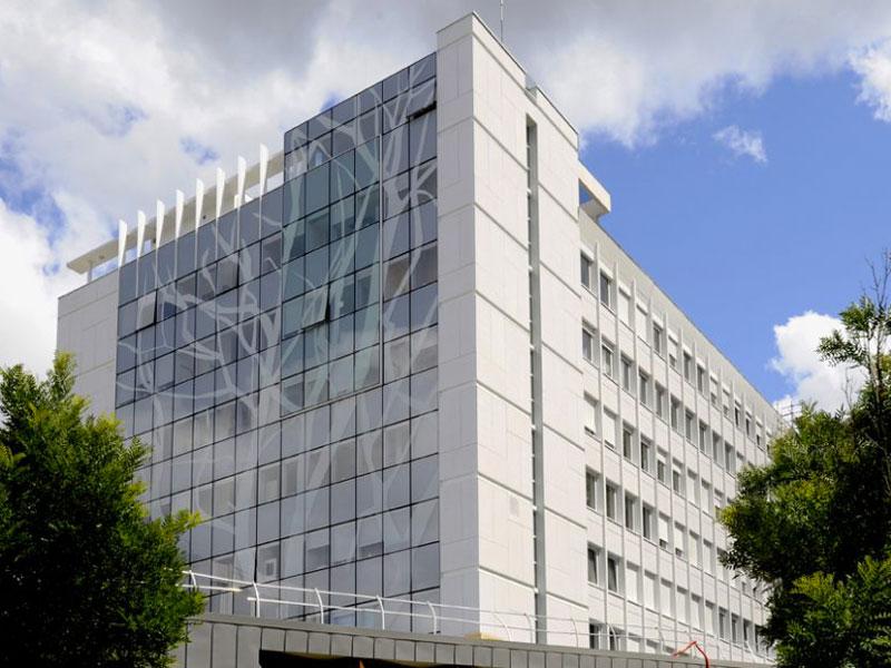 Réhabilitation de l'hôpital de Sèvres (92) en BAO Carea façade - Batiweb