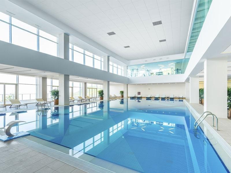 Ecophon : des solutions acoustiques dédiées aux piscines - Batiweb