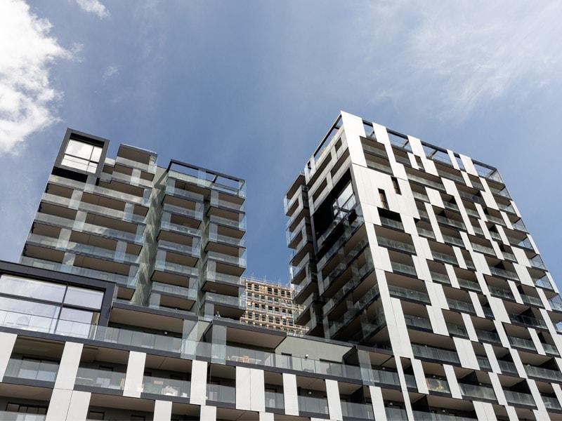 Une peau vibrante et argentée en ALUCOBOND® pour parer les tours Sky Place à Strasbourg