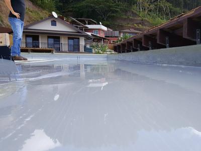 Étanchéité liquide autoprotégée pour toitures et balcons Batiweb
