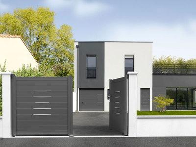 Coordonnez vos entrées avec NOVOFERM - Porte de garage sectionnelle Alinéa Batiweb