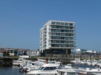 Balcons en front de mer : les rupteurs Schöck garantissent durablement homogénéité de l'enveloppe du bâtiment et sécurité Batiweb