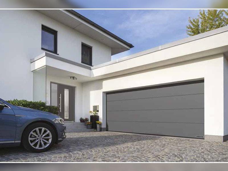 Portes de garage sectionnelles RenoMatic d'Hörmann : une offre large au prix attractif, prônant élégance, sécurité et fonctionnalité - Batiweb