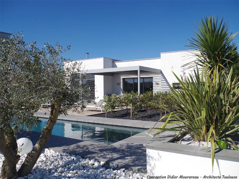 Des solutions sur mesure pour l'aménagement des piscines et jardins - Batiweb