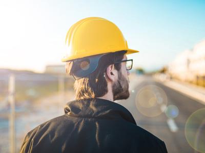 Vos chantiers: prix bas sur les gels et solutions désinfectantes avec helloArtisan! Batiweb