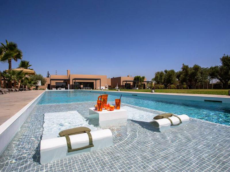 Les Olivades Marrakech : une étonnante résidence hôtelière aux finitions luxueuses, en HI-MACS® - Batiweb