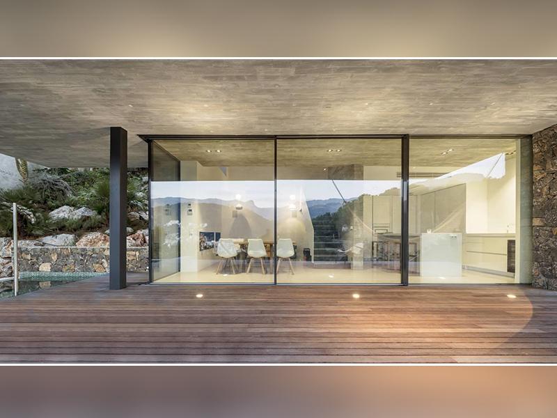 Nouveau coulissant panoramique ARTLINE XL : place à la démesure, à la pureté des lignes et à la lumière - Batiweb
