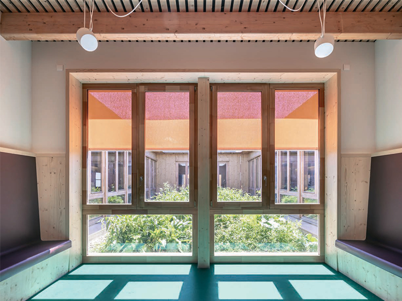 """Nathalie SIEGFRIED, architecte coloriste et artiste """" Le Marmoleum, tout en symphonie """" - Batiweb"""