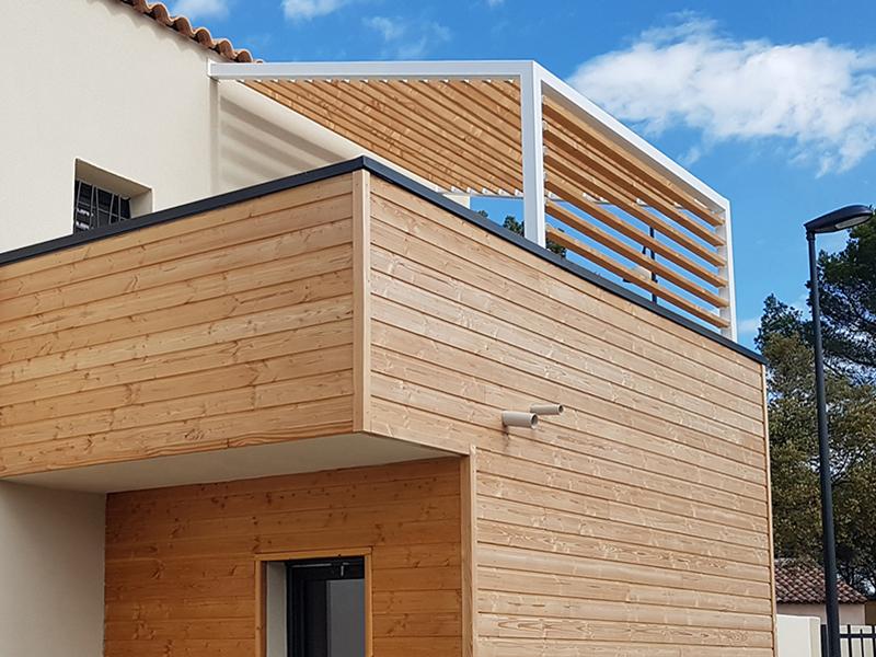 L'indispensable pour les toits-terrasses et murets : La Couvertine Araltec en aluminium laqué ! - Batiweb