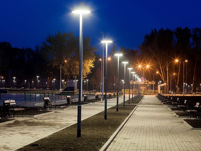 Rénover judicieusement l'éclairage public de sa commune : un moyen d'associer gains financiers et environnementaux par L'ADEME - Batiweb