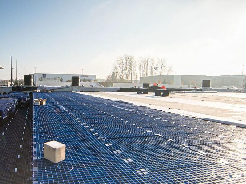Gestion des eaux pluviales : 5 800 m3 de modules SAUL Q-Bic pour la rénovation de l'Espace Commercial du Bréau à Varennes-sur-Seine (77) - Batiweb