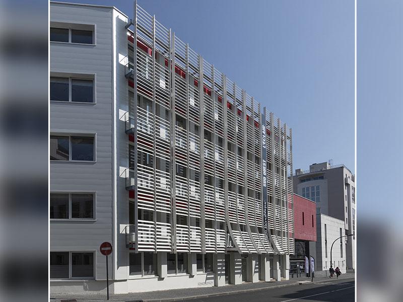 Une protection solaire architecturale pour une maison d'édition française - Batiweb