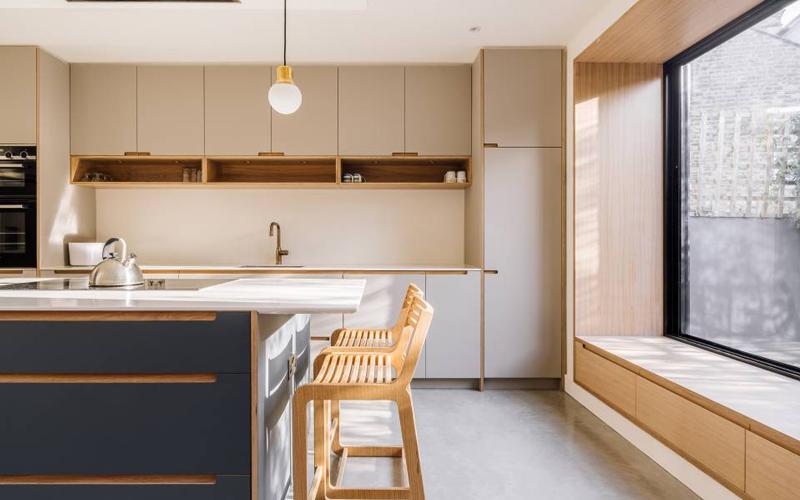 Lumineuse et moderne, découvrez une remarquable extension de cuisine à Stoke Newington avec HIMACS - Batiweb